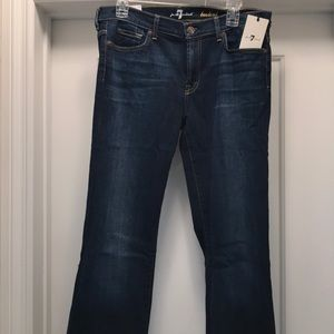 NWT womens 7 For All Mankind Bootleg Jeans Size 32